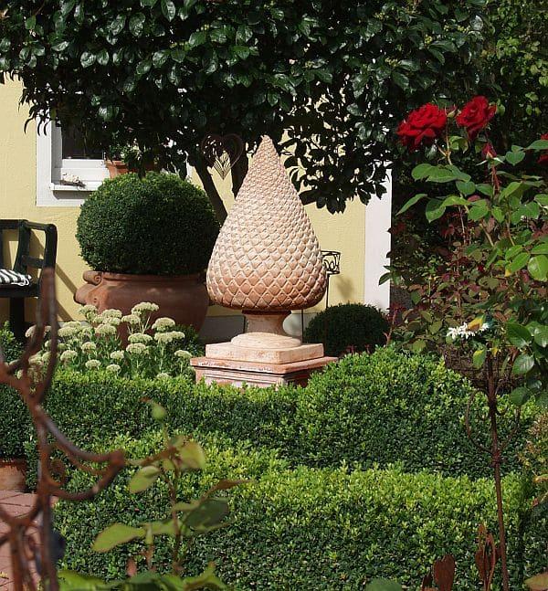 Photo of Einzelne Schmuckstücke aus Terrakotta setzen wirkungsvolle Akzente