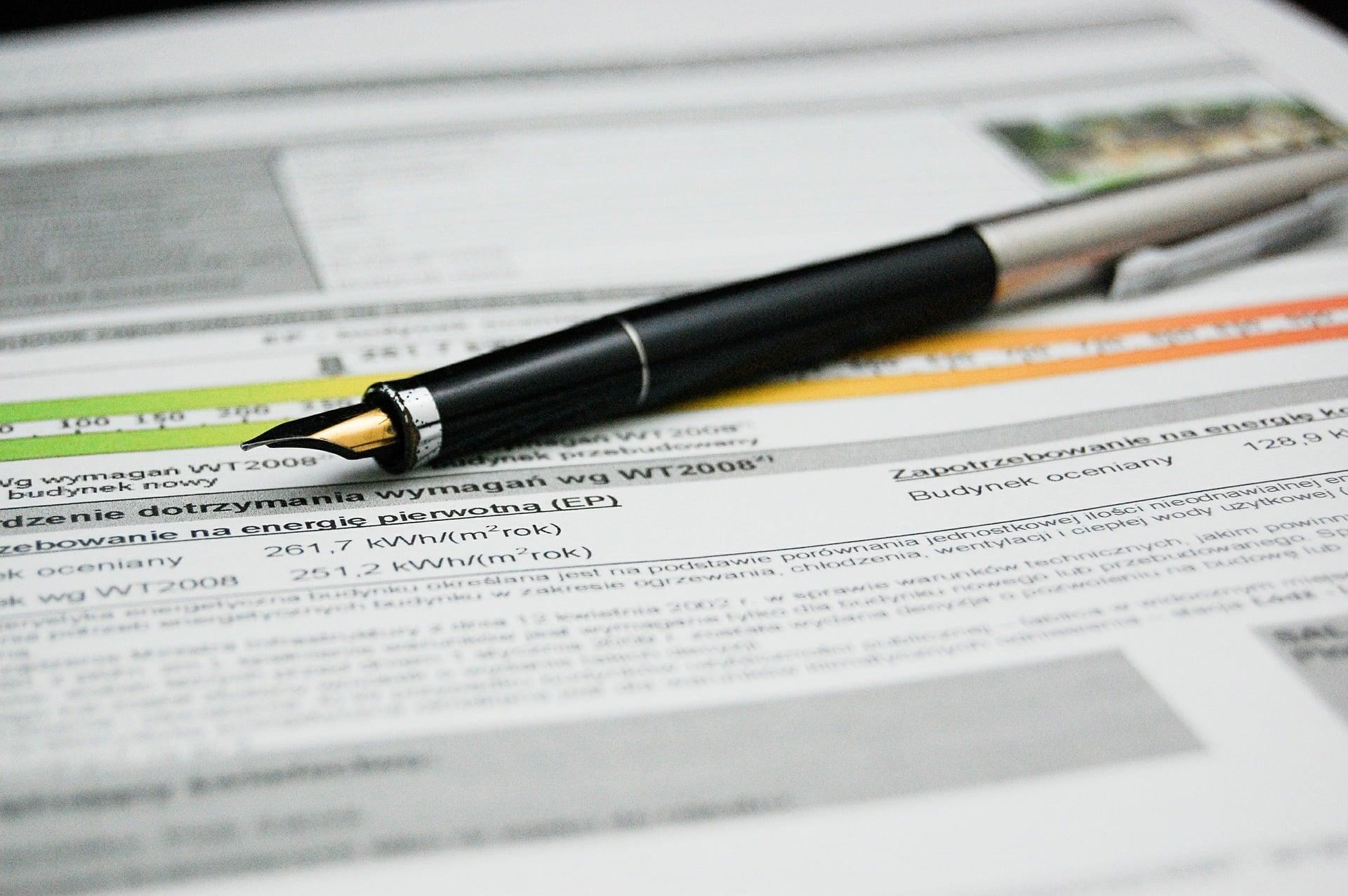 Der Energieausweis zeigt den Grad der Energieeffizienz bei Immobilien. Foto: Pixabay.